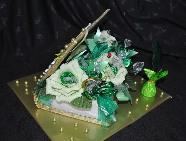 """Часть 2. Часть 7. Букет для объятий и поцелуев.   """"Часть 1. Букет из конфет и бумажных роз.  МК от Натальи Пецкус..."""