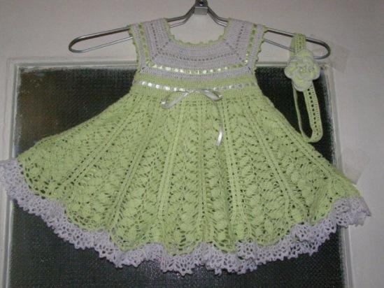 Описание: схема вязания детского платья крючком. Автор: Лайма
