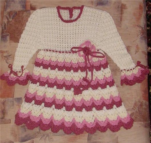 Комментарий: вязанные детские платья крючком со схемами.