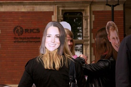 Свадьба Кейт Миддлтон и принца Гарри... или все-таки Уильяма?..