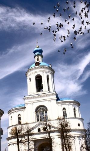 Россия, Золотое кольцо, Боголюбово: Боголюбовский монастырь. Надвратная церковь.
