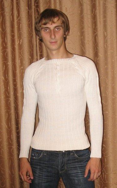 вязаный мужской белый свитер с описанием