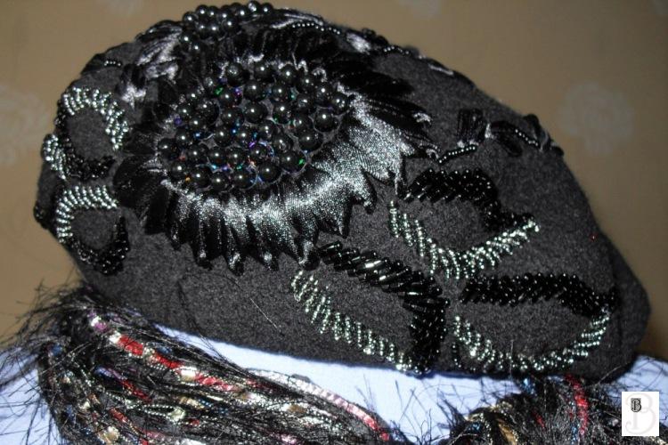 Вышивка бисером на шапке