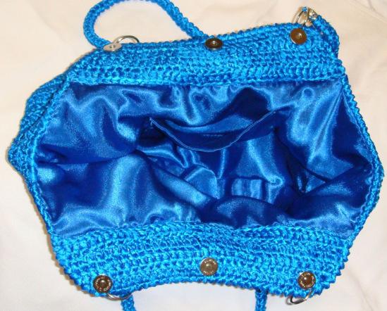Gallery.ru / Фото 31 - Вязанные сумки из атласных лент - krutsirina.