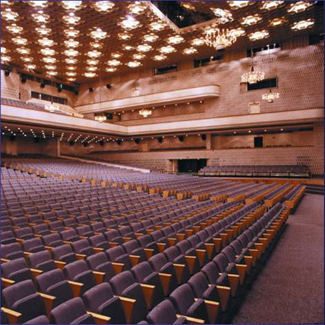 """На фотографиях - Центральный концертный зал  """"Россия """".  Расширение Москвы привело к необходимости..."""