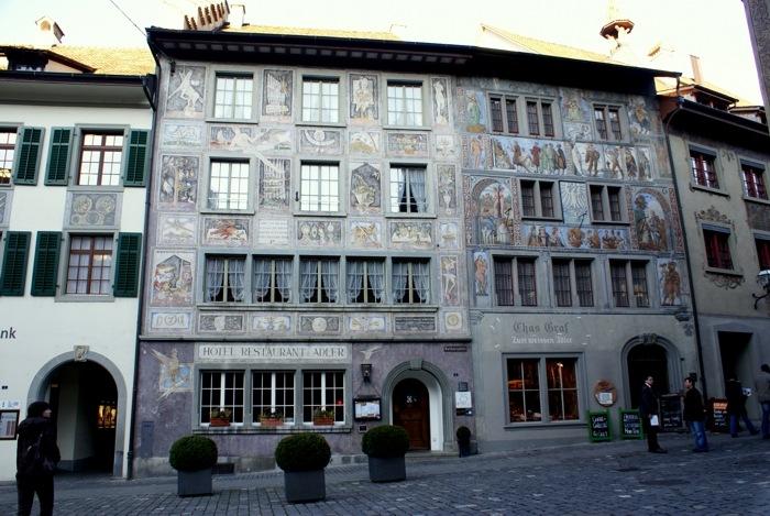 Маленькие городки Восточной Швейцарии. Наслаждаясь потрясающей росписью и архитектурой домов, готика и … тишина…