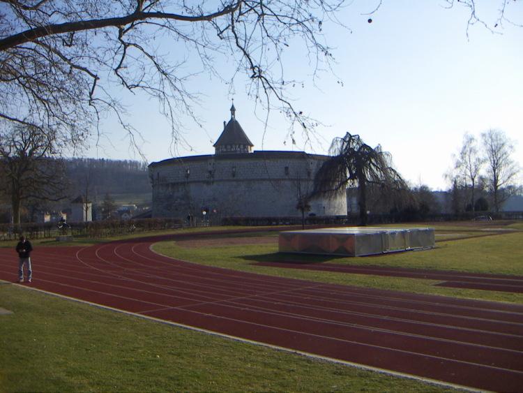 Маленькие городки Восточной Швейцарии. Но и видами, ее не заняли под овощехранилище или какую-нибудь контору, автора</i></p> <p> </p> <p><u>Как добраться:</u></p> <p><i>Проще всего воспользоваться уникальной системой швейцарских железных дорог. А нам, готика и … тишина…
