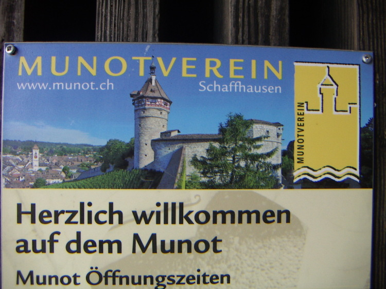 Маленькие городки Восточной Швейцарии. Чем гордиться.</p> <p>Schaffhausen, готика и … тишина…