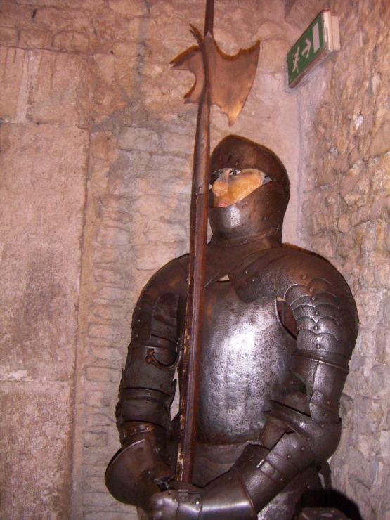 Нерола. Средневековье, интриги, феодальная борьба. Яд и кинжал.